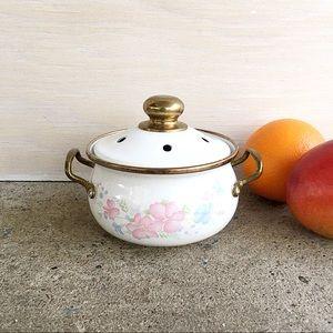 Vintage | Enamel Potpourri Pot